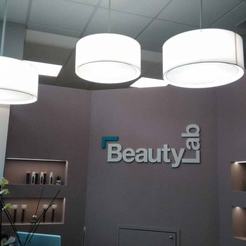 paolorossi.com Paralumi su misura sospensioni bianche da soffitto per recemption BeautyLab