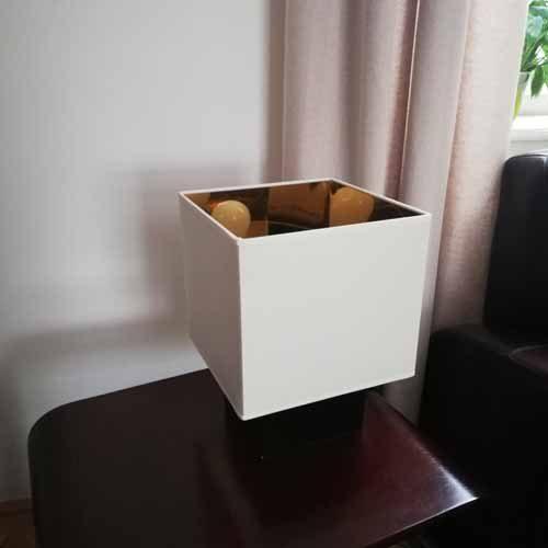 Paralume quadrato avorio con interno oro su base - paolorossi.com